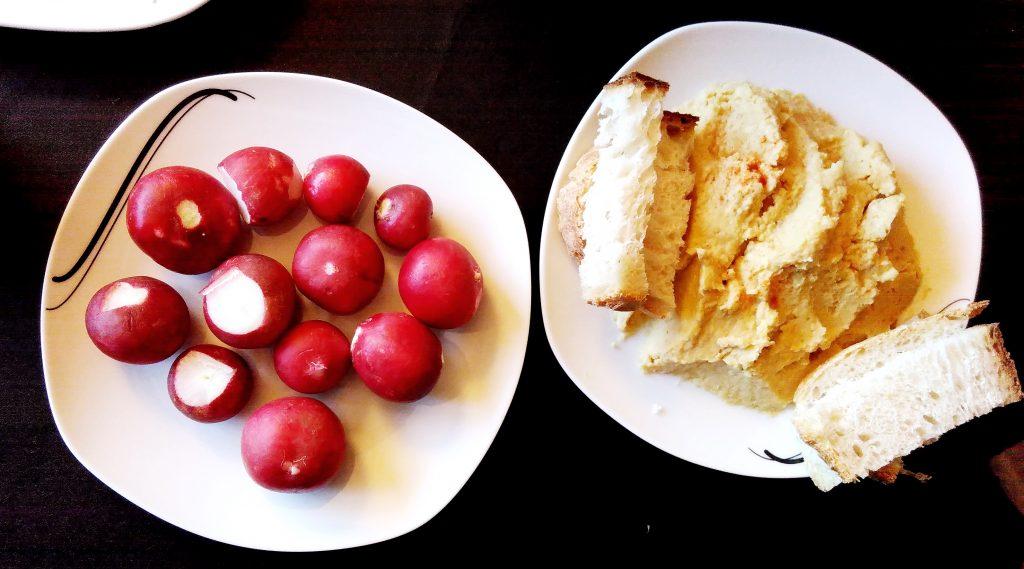 Radis-Hummus